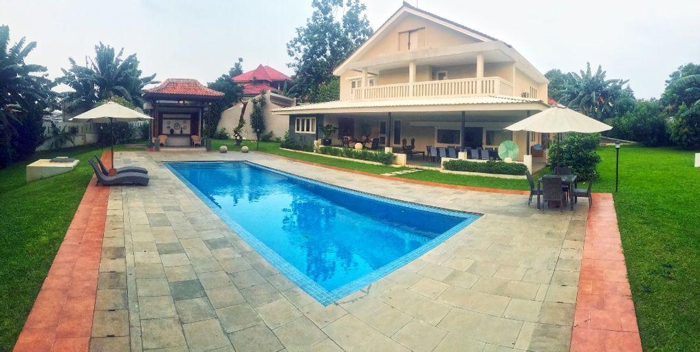 RUMATATA VILLA; your vocation home, Jakarta Selatan