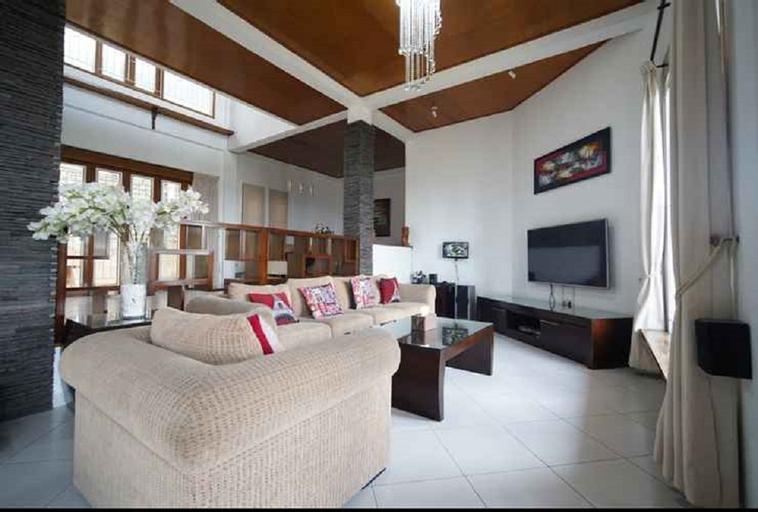 Villa Hanna Bandung 3BR- 15 person, Bandung