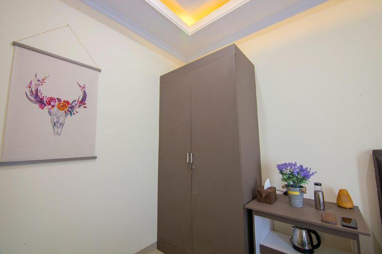 Clean Simple Room 5 @ R & S Living (Muhrim Only), Pekanbaru