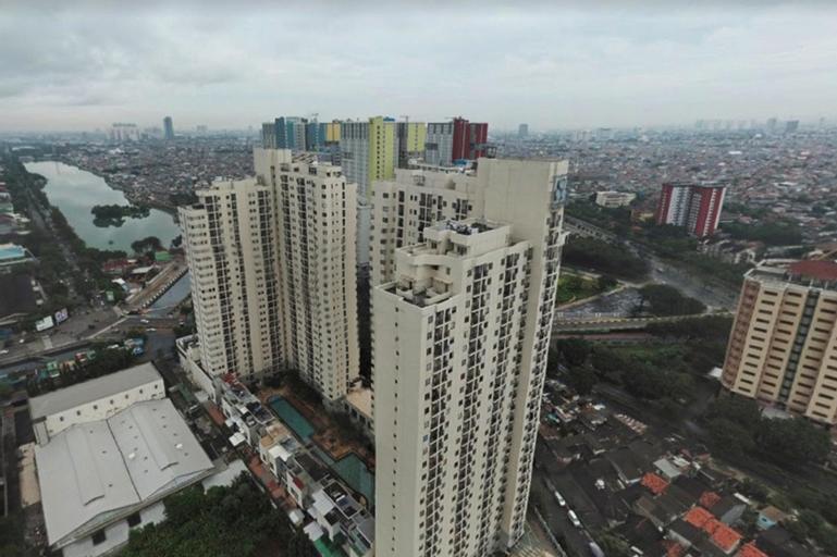Great Location 2BR Maple Park Apt By Travelio, Jakarta Utara