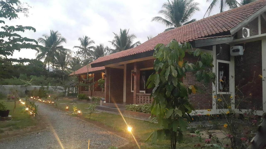 Superior Double Bed for 2 at Rumah Cartra 2, Magelang