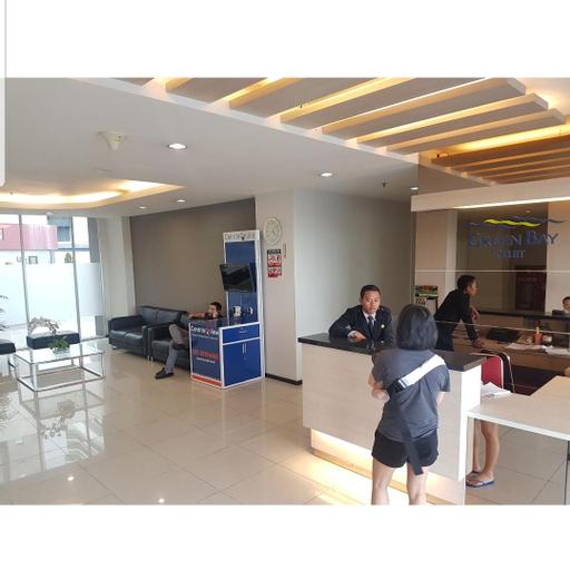 2 Bed Room Plus Sofa Bed, Budget and Fast Internet, Jakarta Utara