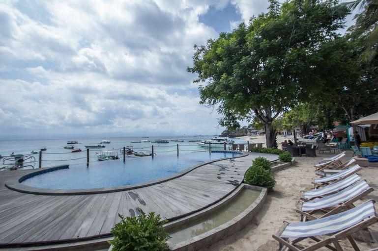 Deluxe Garden beach front Infinity public pool , Klungkung