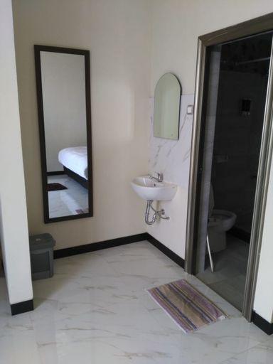 D&D Bellevue Guest House, Malang