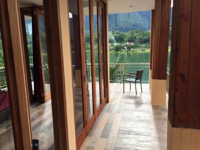Peaceful Lakeside Villa (AMORA), Samosir