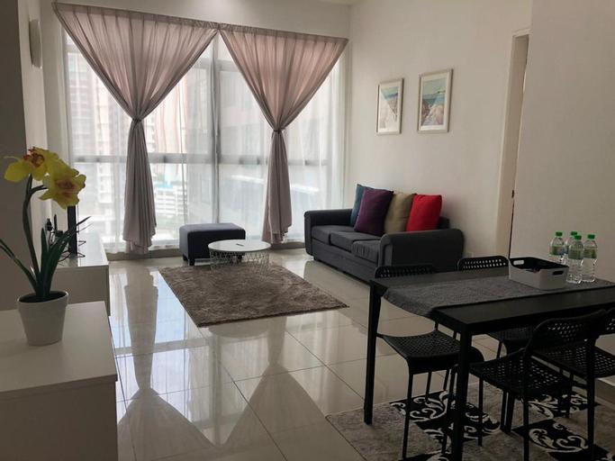 IOI Conezion Iman's Home | Pool View Unit, Kuala Lumpur