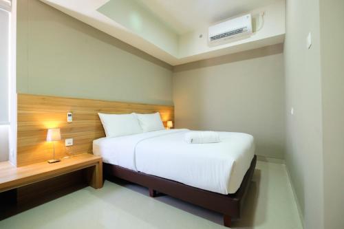 Best Location 1BR Mustika Golf Apartment By Travelio, Cikarang