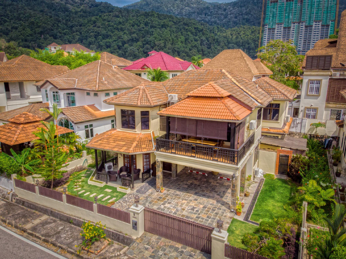 IVC Villa 10 Bali Bungalow wt Heater Pool@ Feringi, Pulau Penang