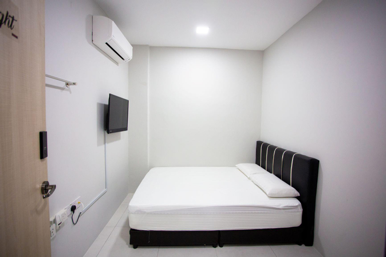 Room F Hom2rex  home to relax kuching homestay, Kuching