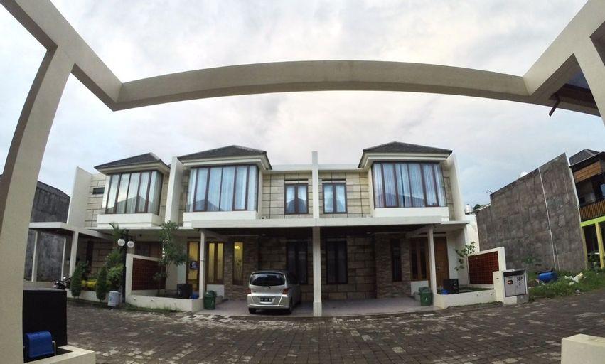 Padma Laguna Guest House, Yogyakarta