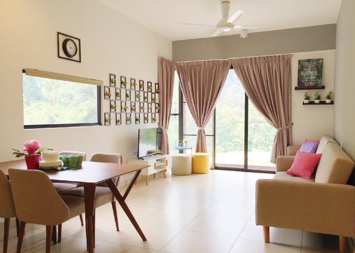 ELECTUS HOME 213A @ MIDHILLS GENTING (FREE WIFI), Bentong
