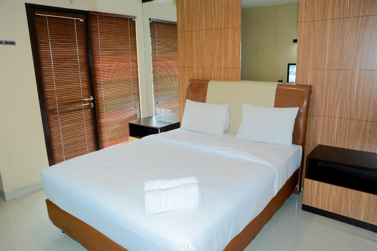 Best Price Studio Apartment at Atria Residence near Mall By Travelio, Tangerang