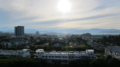 Kota Kinabalu city center 3rooms7pax Condo亚庇市中心三房七人公寓, Penampang