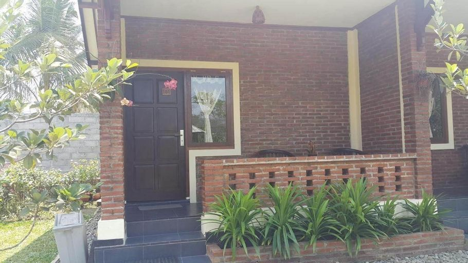 Superior Double Bed for 2 at Rumah Cartra 3, Magelang
