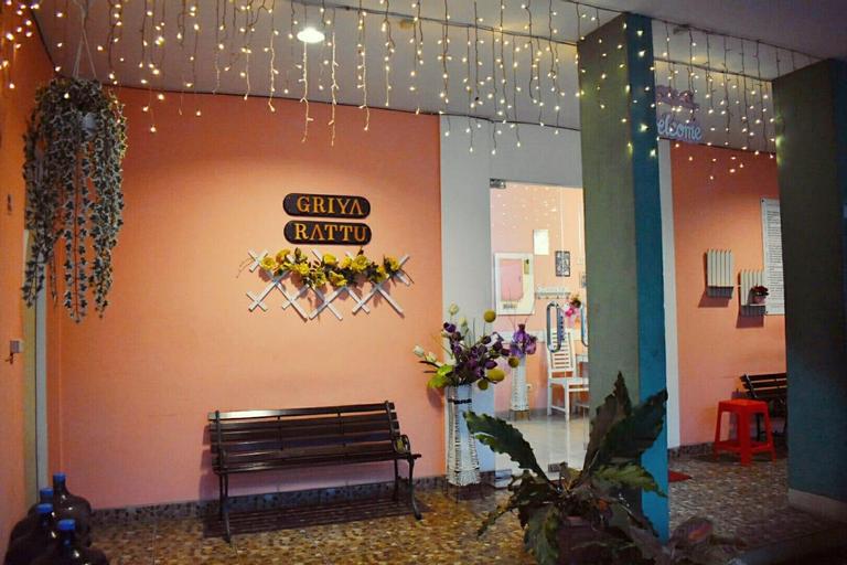 Griya Rattu Kost N Guesthouse, Semarang