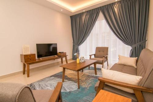 S.H.H-No.5*3BD Classic-Tea Plantation View-Premium Hotel Bed, Cameron Highlands