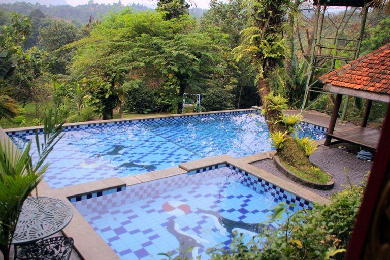 VILLA ROSOMULYO DI SENTUL BOGOR, Bogor