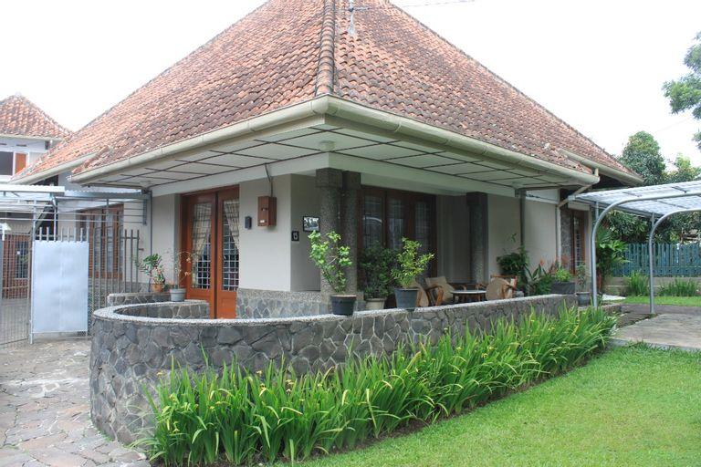 De Riau Guest House, Bandung
