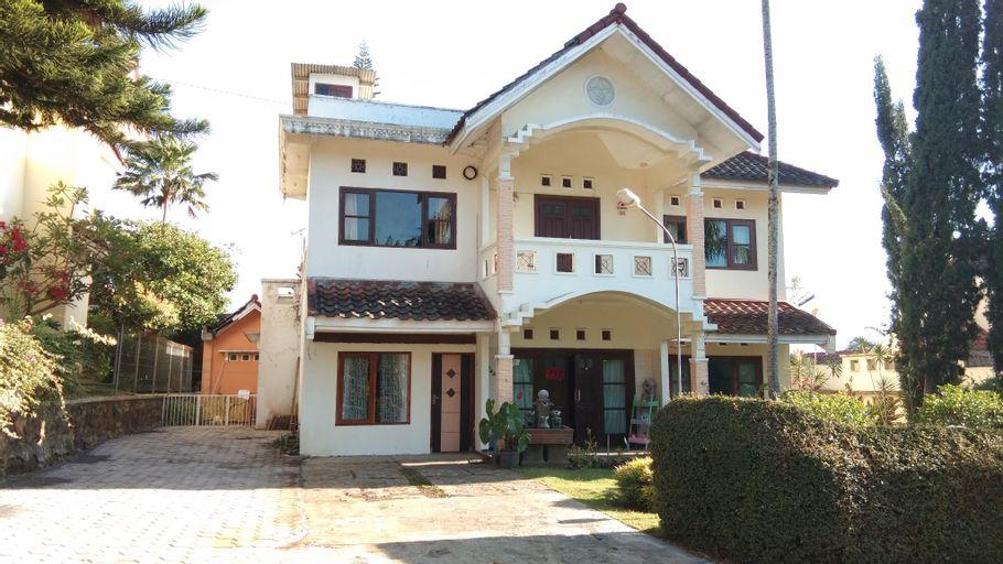 Homestay Villa agro batu malang 5KT, Malang
