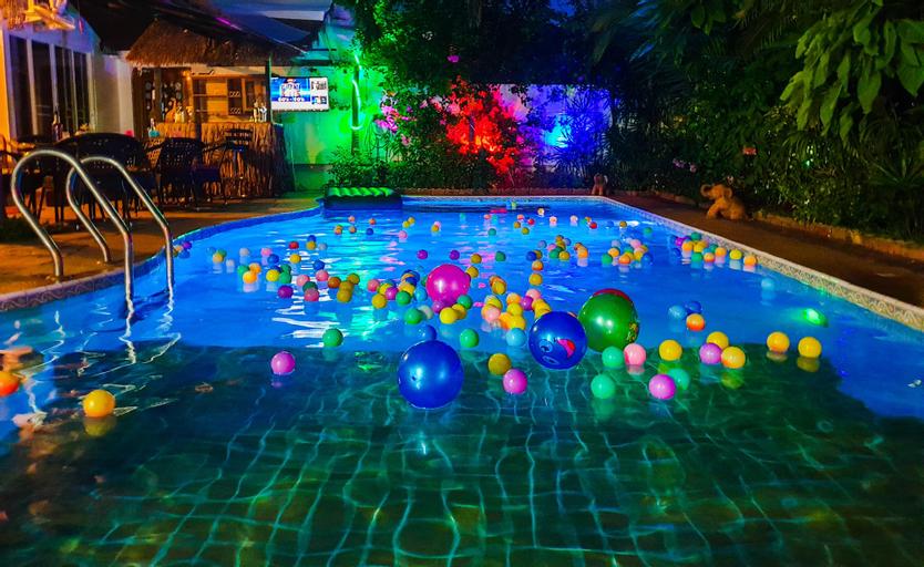 Siri Villa - 4 Bed  All En-suite  Private Pool , Bang Lamung