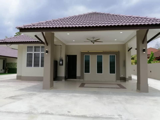 FOUR Bungalow House Next to Giant Kuala Pilah 21, Kuala Pilah