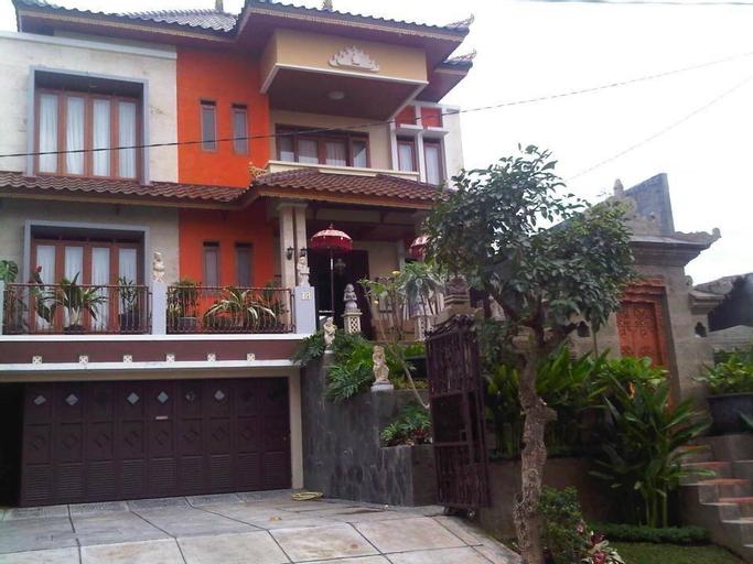 De Lovender Family Villa Bandung (10-20 Person), Bandung