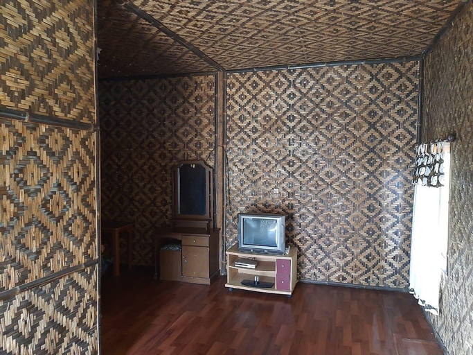 Villa Saung Naufal [Rumah Kayu], Sukabumi