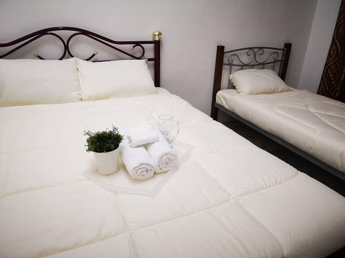 Cozy 3bedrooms for 9pax in Kulim 5mins to Desaku, Kulim
