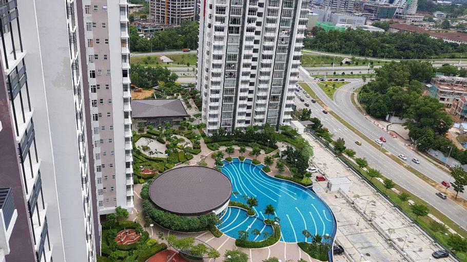 Alyssa Putrajaya. 3R3B FullyAcond. WiFi. Pool view, Kuala Lumpur