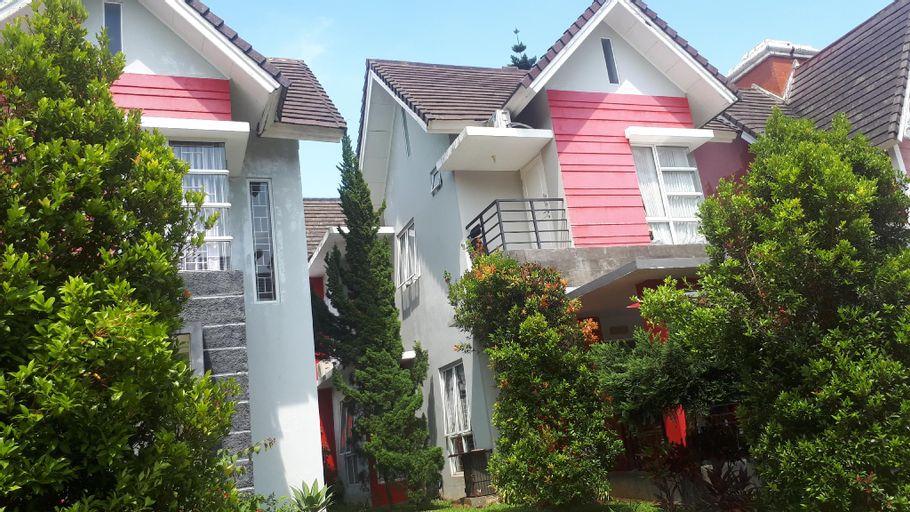 Villa ojju kota bunga blok EE, Bogor