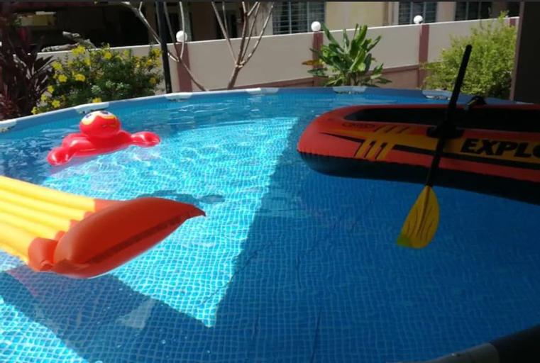 BiggestVilla in Lumut Manjung  250inchCinema Pool, Manjung