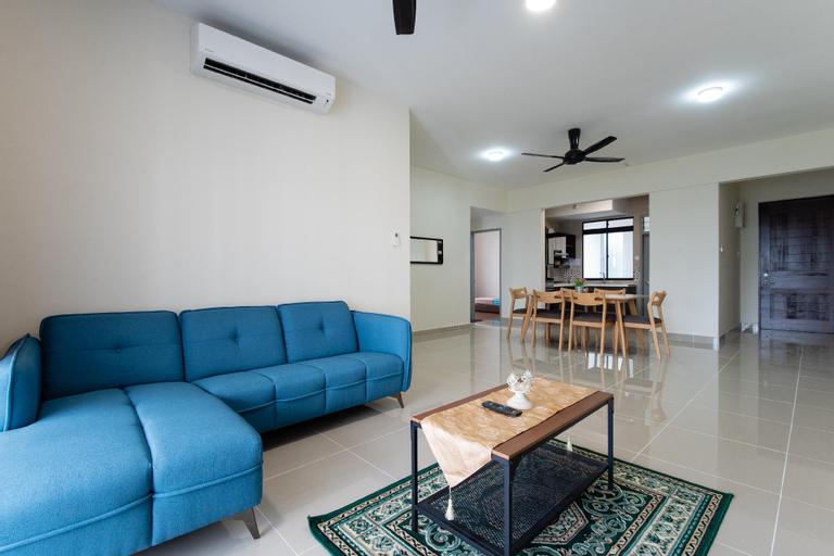 Homestay Putrajaya | swimming pool |WiFi near PICC, Kuala Lumpur
