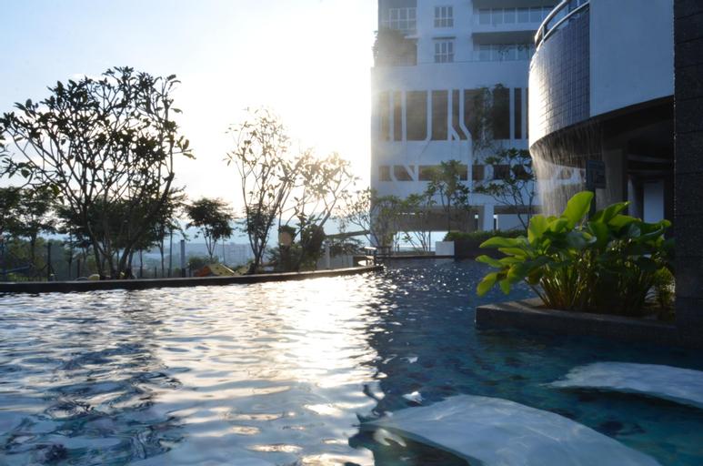 Luxury SeaView Condo, perfect for family getaways, Barat Daya