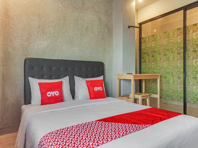 OYO 90305 De Umbrela Mansion, Tangerang Selatan