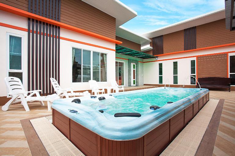 Melodious Villa| 9 Bed Spacious House with Jacuzzi, Bang Lamung