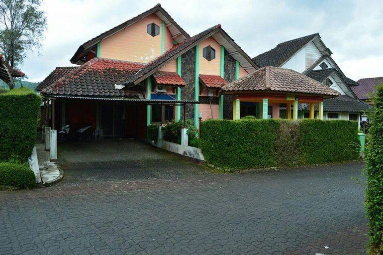 Villa Bougenville Blok B5/C6, Bogor