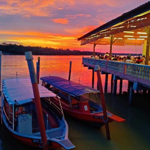 Family Homestay(near jetty for sky mirror&others), Kuala Selangor