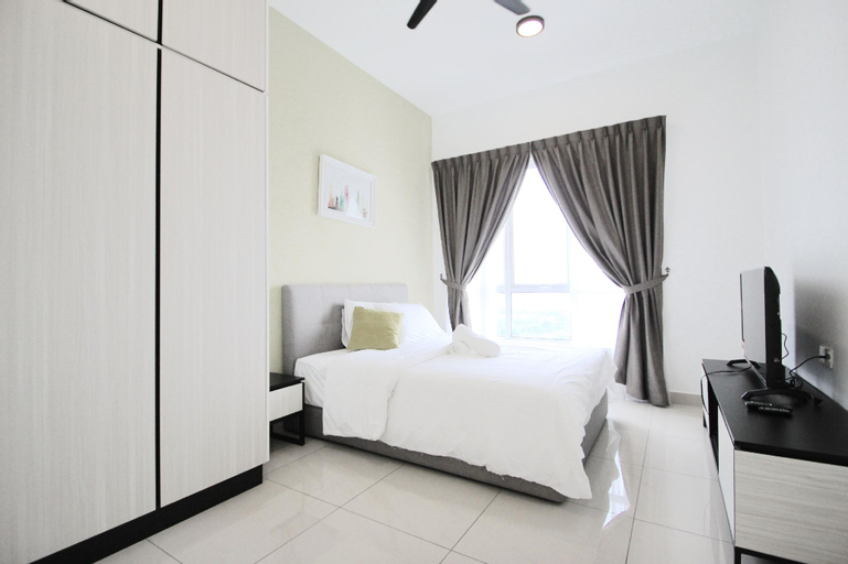 Highest Floor 3BR Pinnacle + Balcony + Parking, Johor Bahru