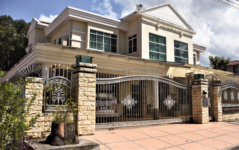 1688 Home  Family Room For 5, Kota Kinabalu