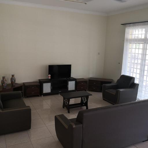 Semi D Bungalow, Ipoh Area, 6 bedrooms 5 baths, Kinta