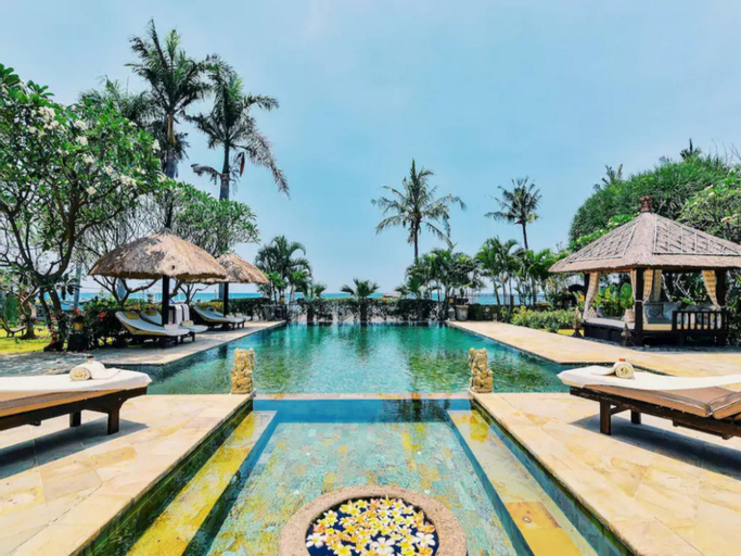 LUXURY FULL SERVICE 5* 7 BEDROOM BEACHFRONT VILLA, Buleleng