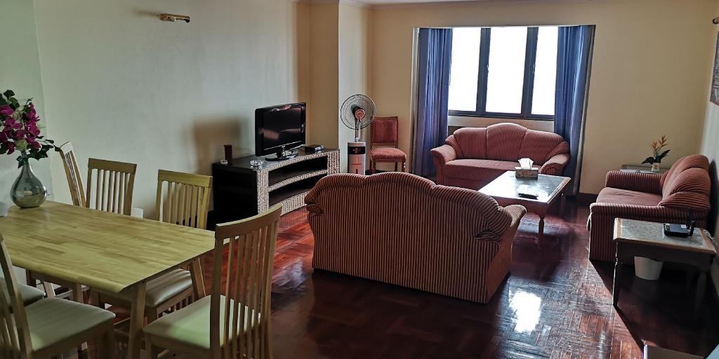 2 Bedroom Family Suite,  Sukhumvit Soi 4, Ratchathewi