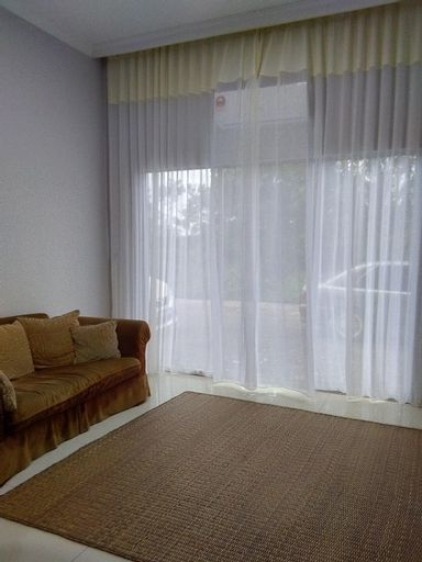 Cosy homestay suitable for up to 8 people, Klang