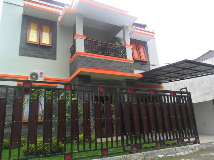 Rumah 4 Kamar Full Ac Nyaman dekat Ambarukmo plaza, Sleman