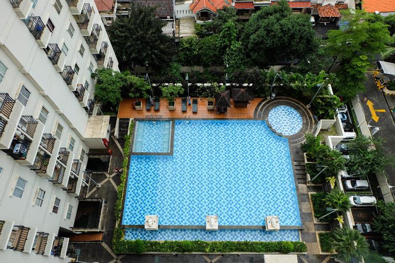 Comfy Studio Signature Park Apartment By Travelio, South Jakarta