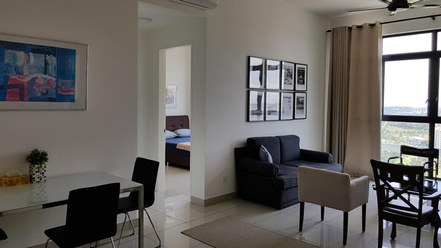 alyssa conezion suite. 3B  2B. Fully aircond. Wifi, Kuala Lumpur