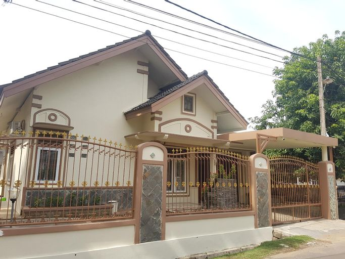 De Hanami Sakura, Cirebon