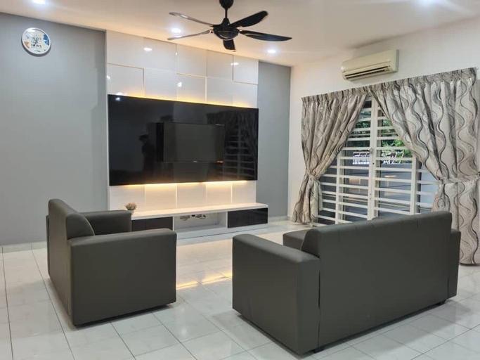 Cozy & Spacious House with 4 Bedroom, Seberang Perai Tengah