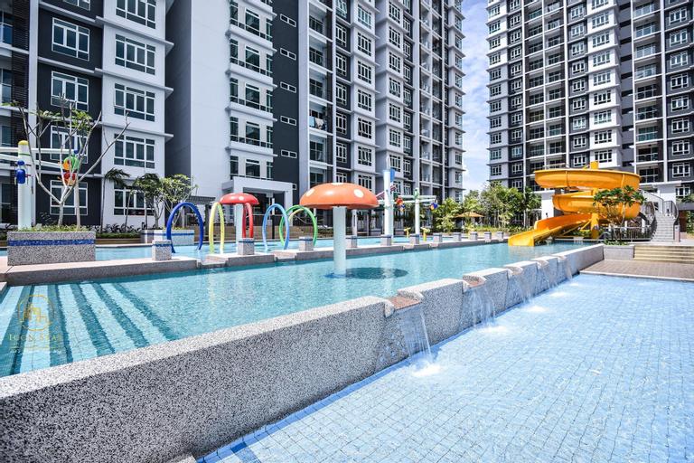 Infinity Pool/NewCondoInTown/ 7-12pax/NewRenovate, Kota Melaka