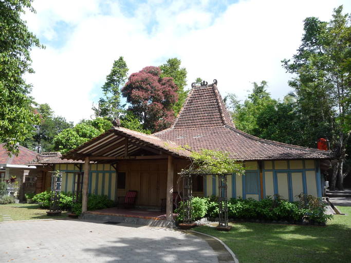 Joglo Ago, a beautiful family-friendly villa, Sleman